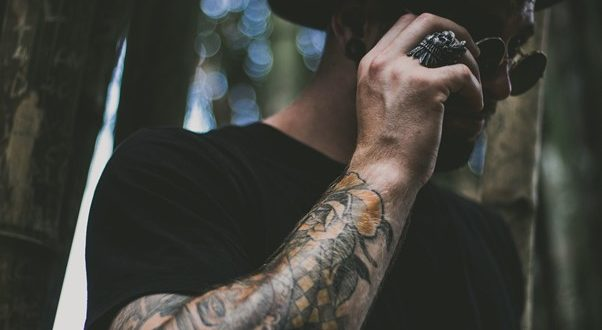 In deze film en series spelen tattoos een hoofdrol